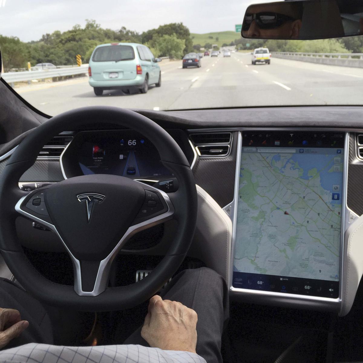 Tesla first death