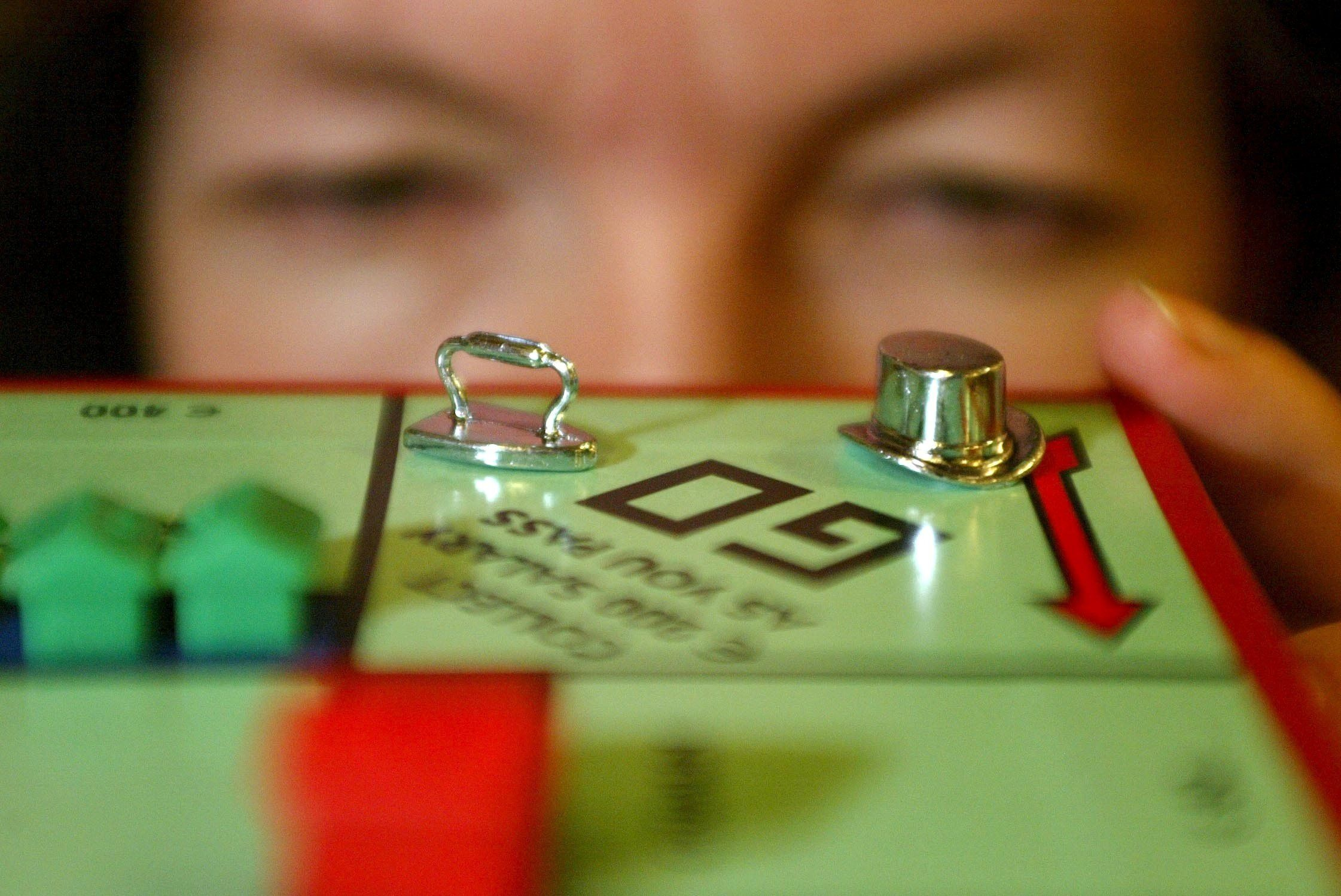 Monopoly has set up a helpline to stop bust-ups this Christmas